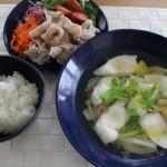 鯛と白菜のとろっと煮の昼食とキーンジャスパーで冷えとりコーデ。