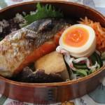 THE 鮭弁当とボリュームブラウス冷えとりコーデ。