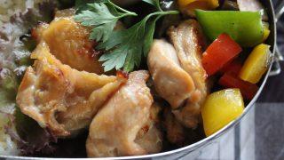 リネンシャツ冷えとりコーデと鶏のカリカリ焼き弁当。