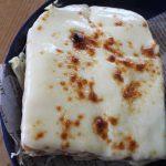 うまそーなチーズトーストと味噌豚ロース弁当。コーデもあるYO。