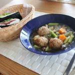 ポークボールスープでランチとハイウエストパンツ冷えとりコーデ。