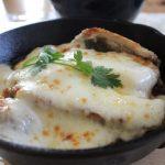 豚ロースのとろ~りチーズ焼きランチともふもふベスト冷えとりファッション。