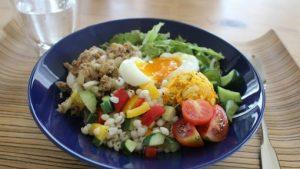 休日の朝ごはんと平日のお弁当たち。